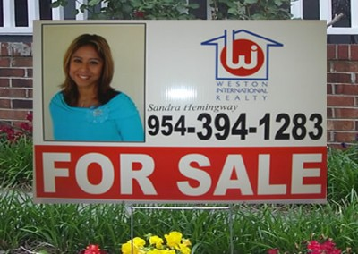 Plastic Realtor Sign